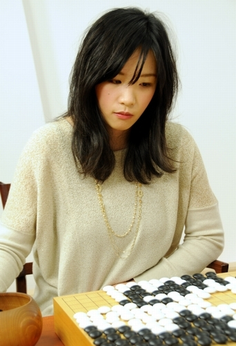 囲碁女流名人の謝依旻がかわいい!年収は?NHKに出演?出身は?